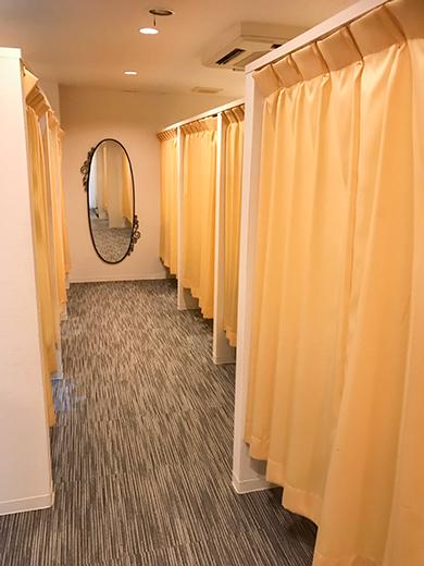 個室待機室